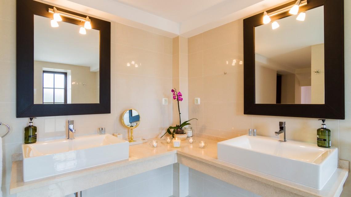 "<a href='https://figsonthefuncho.com/wp-content/uploads/2015/09/bathroom-modern-villa-holiday-rent-portugal-33.jpg' data-rel=""prettyPhoto[756]"" data-rel=""prettyPhoto[756]""></a>"