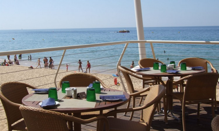 Algarve Restaurants | View of the beach from restaurant in Algarve