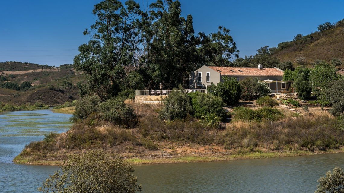 A Riverside retreat location in Portugal