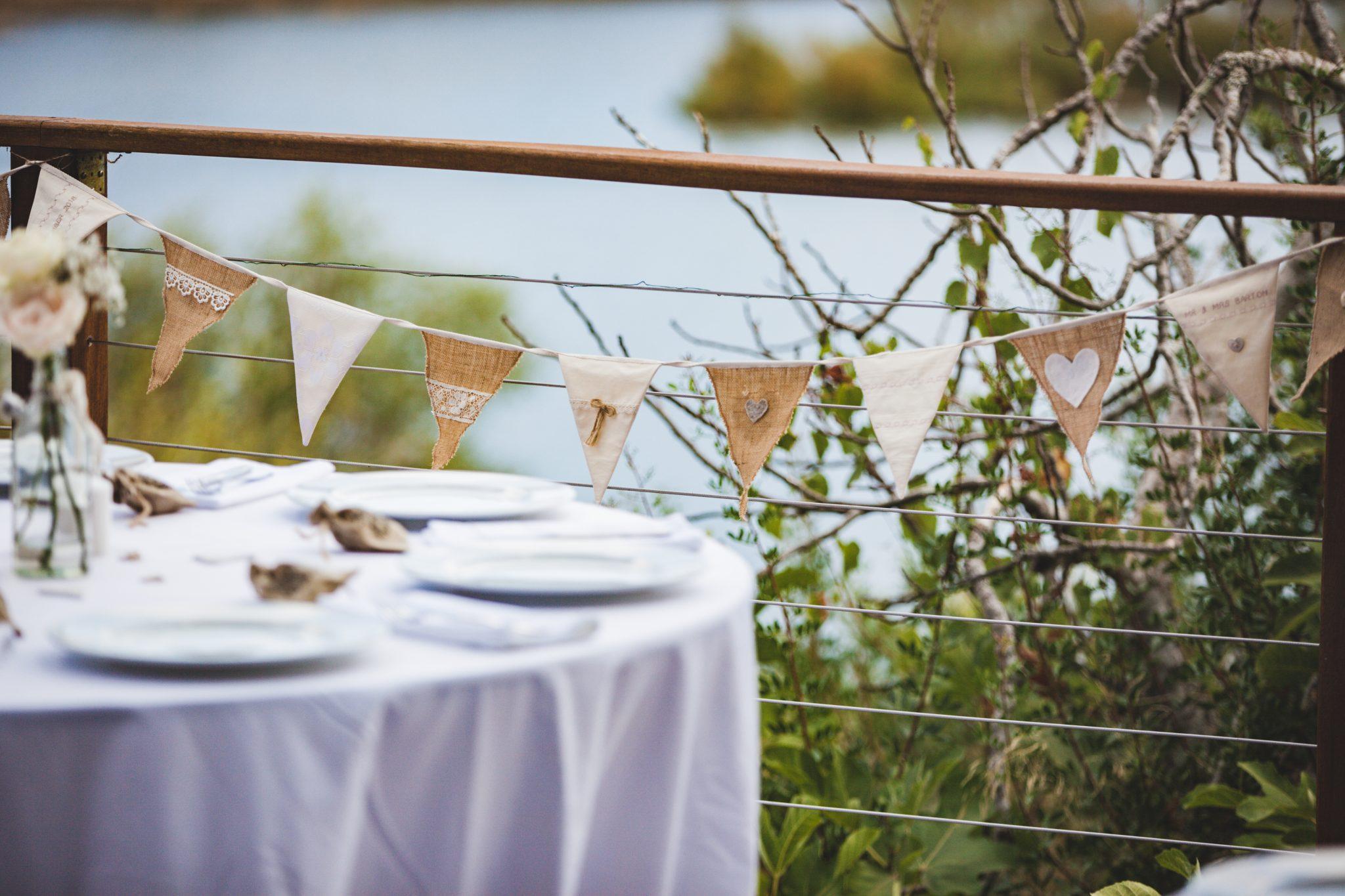 Rustic wedding table bunty bunting